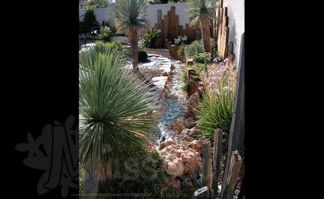rivière sèche de jardin